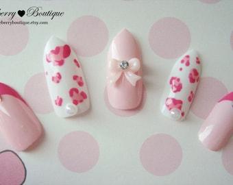 3D Fake Nail Set  - Pink Heart Leopard Print Nails with Pearls, Pink Rhinestones, and Bows