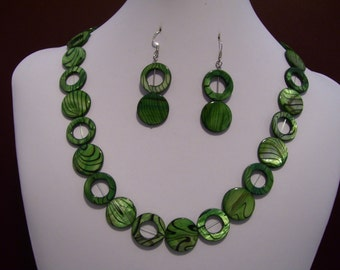 Green and black shell necklace
