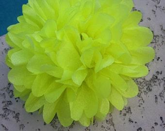 LIMON / 1 tissue paper pom pom / baby shower / wedding / birthday / bridal shower / nursery decor / anniversary / photo prop / DIY