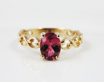 Fine Raspberry Pink Tourmaline and Gold Ladies Ring ZMJ5E6-D