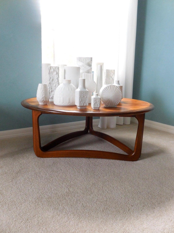 mid century lane round coffee table danish modern 1963. Black Bedroom Furniture Sets. Home Design Ideas