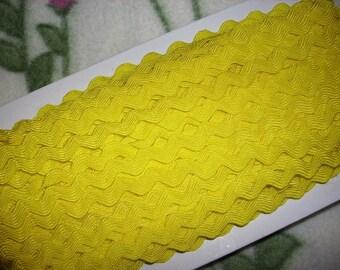 3m rickrack, yellow (412)