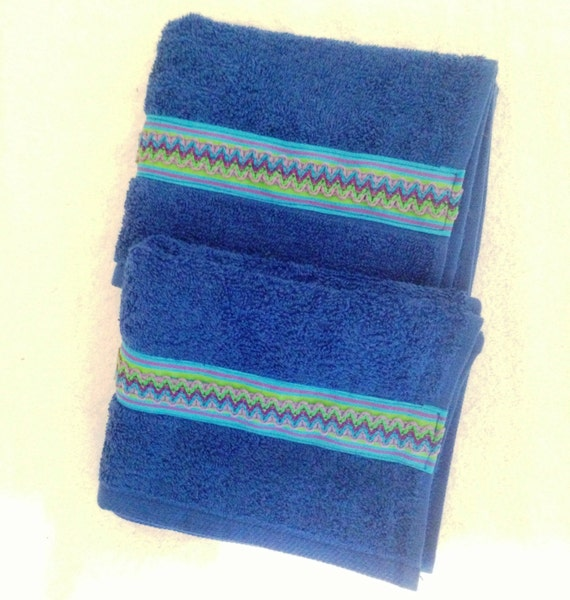 Bathroom Decorative Hand Towels Light Bright Blue With Green