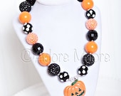 Pumpkin Necklace, Halloween Necklace, Jack O Lantern Necklace, Pumpkin Necklace, Chunky Bead Necklace, Child Girls Necklace