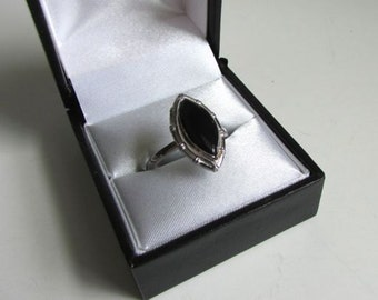 Vintage 18k HGE and Onyx Ring
