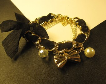 25% discount/Black lace bow fashion bracelet with charm and beads./cheap/discount/affordable/