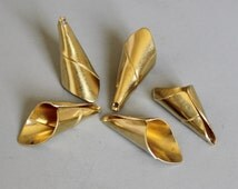 50pcs Raw Brass cone cap beads,findings 28mm x 12mm - F75