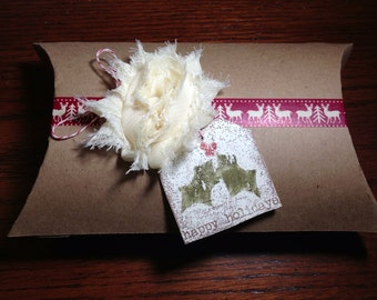 Gift wrap pillow box
