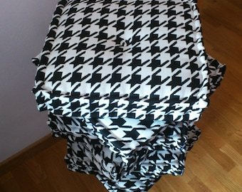Houndstooth cushions, handmade, customizable 100 %, different colors