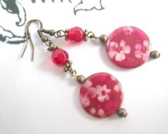 Flamenco - earrings with red mother of pearl beads flower blossom