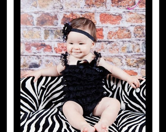 SUPER SALE!! Baby Romper Lace Ruffle Vintage - Baby Girl petti romper, baby girls petti Rompers, Photo props, Elegant Baby Lace outfit