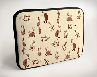 Rabbits - beige - Laptop Case - Laptop Bag - Laptop Sleeve