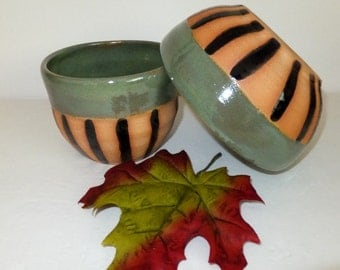 Irridescent Green and Black Striped Ceramic Bowl Set, Nesting Bowls