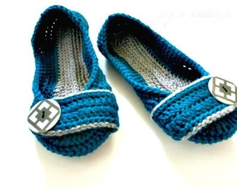 Women's Crochet slippers - Button slippers - womens sizes - double sole  - turquoise and gray - custom made