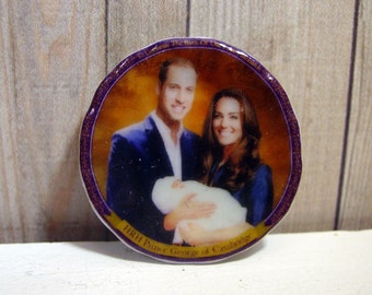 Prince William and  Kate and New Born  Miniature Plate for Dollhouse 1:12 scale