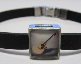 Acoustic Guitar Music Link With Choice Of Colored Band Charm Bracelet