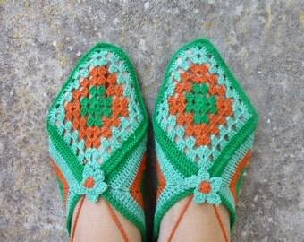Boho chic crochet ballerinas, crochet slippers with flowers, green and orange bed socks, women slippers, Mary Jane model