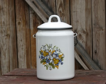 Soviet  vintage farmhouse white enamel pot with  floral ornament and lid - Home decor - Made in USSR