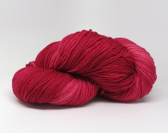 Pomegranate - Stunning Superwash Fingering Weight - 100% Superwash Merino - 100 g - 475 yds