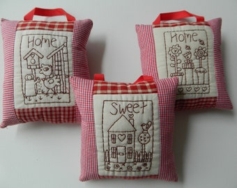 Home Sweet Home Shabby Chic Cotton Fabric Set of 3 Hanging Decorative Cushion/ Home Decoration