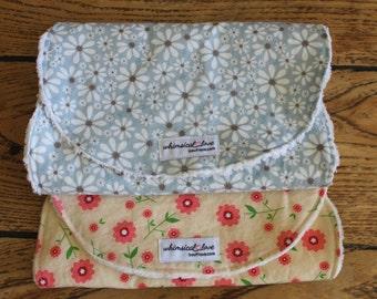 Set of 2 Burp Cloths - Flowers