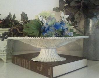 Tin grapevine design tray