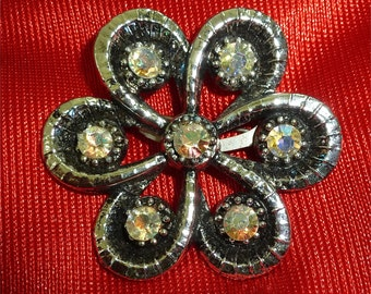 Vintage 1960's Silver Tone Six Petal Flower Brooch Pin With Rhinestones - Free Shipping