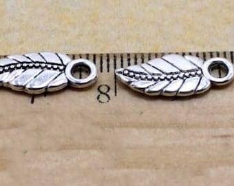 50 pcs  antique silver  pendant leaves  17mm