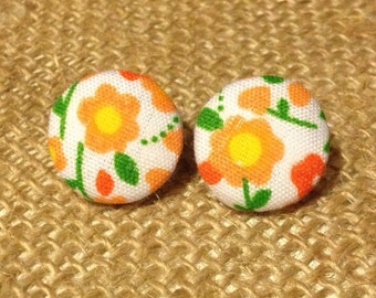CLEARANCE!  Shirley Button Earring