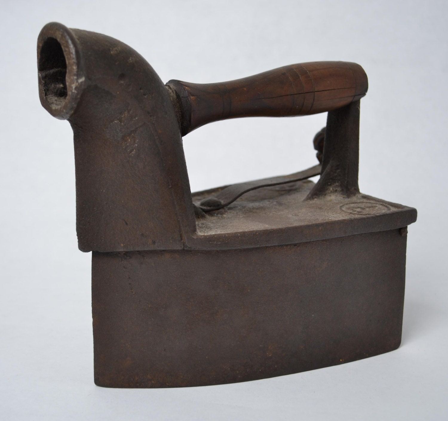 Antique no 7 clothes chimney charcoal box iron - How to unwrinkle your clothes with no iron ...