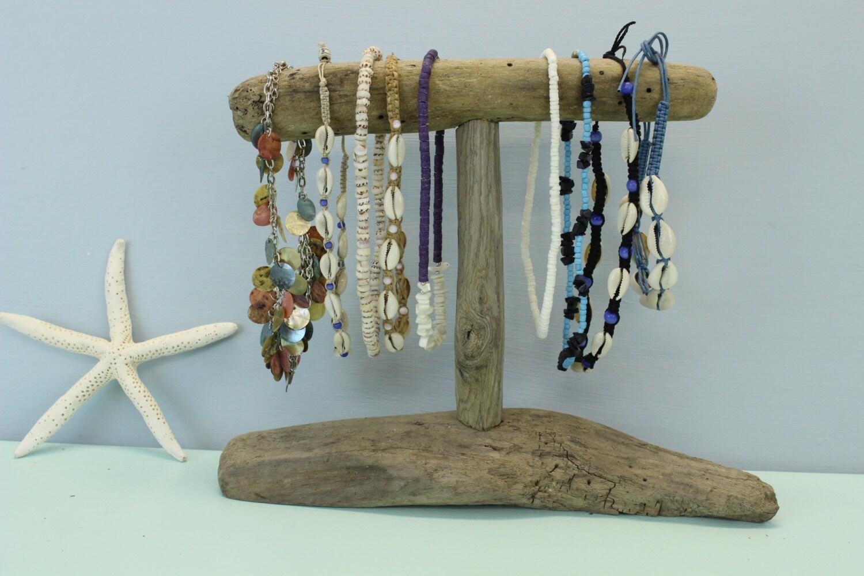 porte bijoux bois flott collier stand de bijoux jewelry. Black Bedroom Furniture Sets. Home Design Ideas