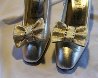 Vintage Gold Bow Shoe Clips with rhinestones