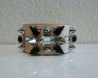 Natural leather spike bracelet with black and clear crystals