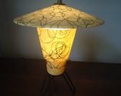 Mid Century Atomic Age Fiberglass Lamp on Footed Metal Triangular Base with Fiberglass Shade