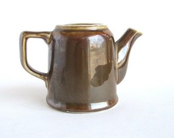 Fraunfelter Teapot - Brown  Luster