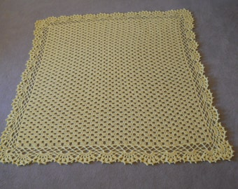 Crocheted Yellow Scalloped Baby Afghan/Christening Blanket/Infant Throw/Crib Cover