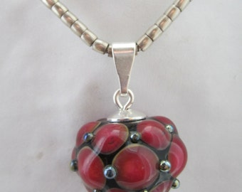 Pendant with Pearl Ruby red colour
