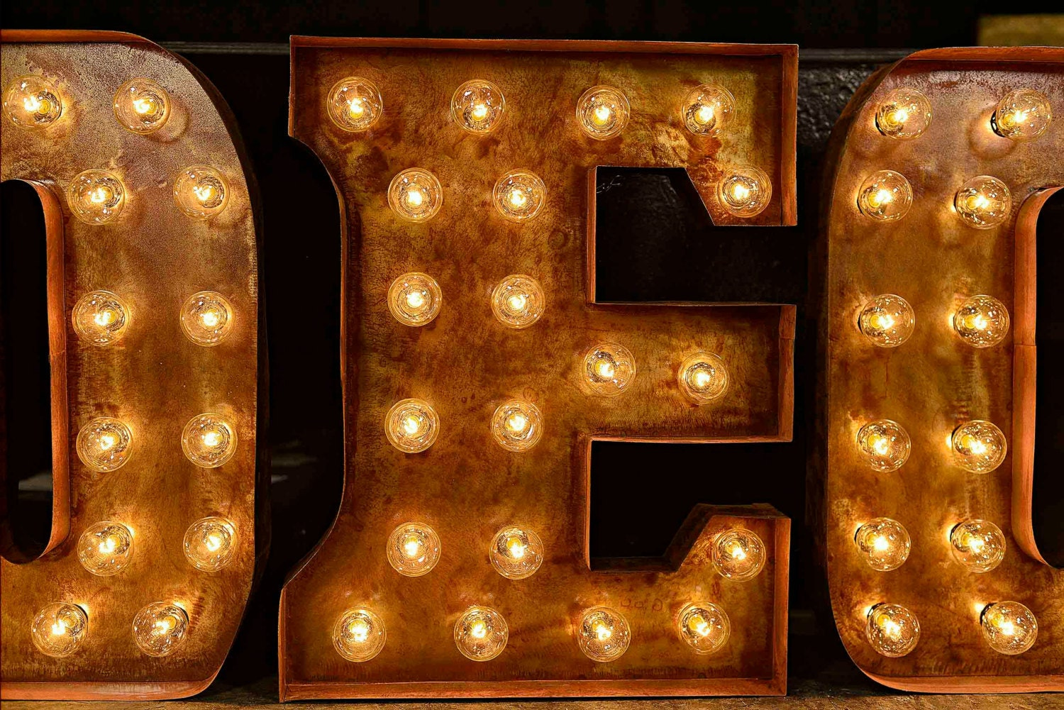 zoom - Lighted Marquee Letters