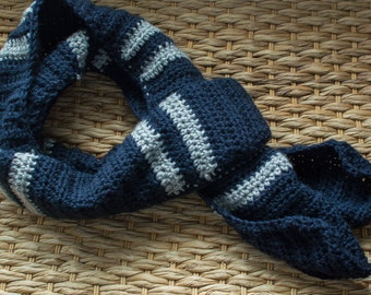 Mens Crochet Scarf in Navy and Gray