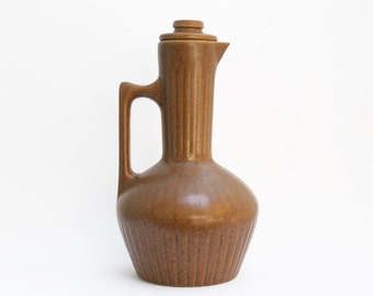 Monmouth Pottery pitcher / carafe, mojave brown, vintage mid-century design, American, c. 1960s
