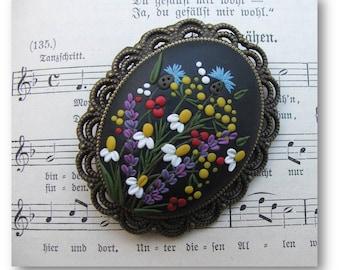 Meadow Flower Brooch- Flower Pin- Floral Brooch- Floral Pin- Black Brooch- Grandma Gift- Mom Gift- Nana Gift