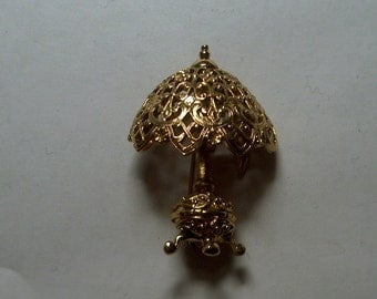 Vintage Costume Jewelry Lamp Brooch Pin, Goldtone Metal, WAS 10.00 - 50% = 5.00