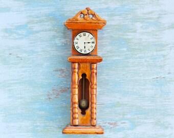 Grandpa's Living Room Standing Clock - Wood Doll's House Miniature