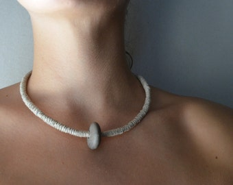 one-simple-stone necklace