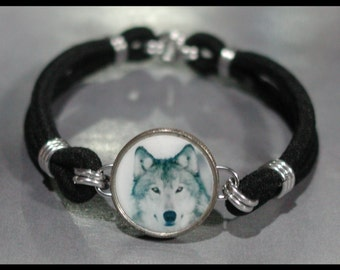 WOLF Wild Canine Dime Stretch Bracelet - One size fits most - Made In USA