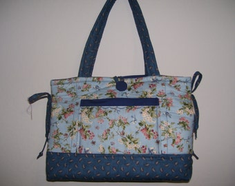 Quilted Bow Tuck Style Purse