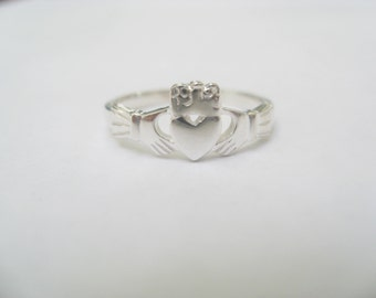 Claddagh Ring - small- Sterling Silver*