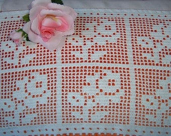 Lace for curtains with roses. Hand crochet lace technique of filet. Crochet shabby chic. White cotton. To order.