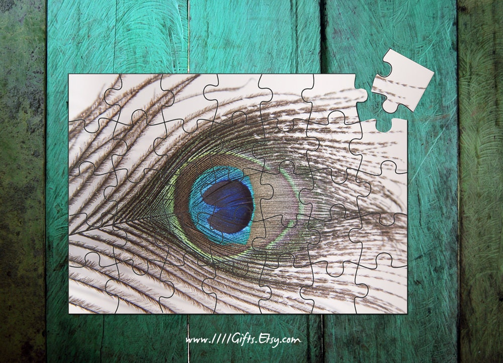 Diy peacock feather puzzle 35 pcs printable jigsaw puzzle for Peacock crafts for adults
