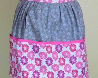 Women's gray/floral half apron with pockets